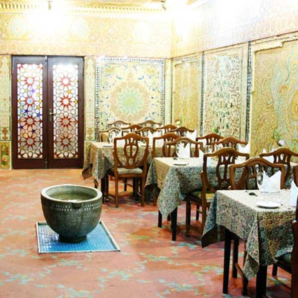 Laleh_International_Hotel